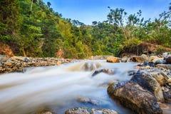 Río de las aguas termales fotos de archivo