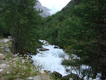 Río de las montañas Imagenes de archivo