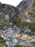 Río de Liwu que fluye en la garganta de Taroko en Taiwán Imagen de archivo
