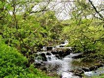Río de los valles de Yorkshire fotos de archivo