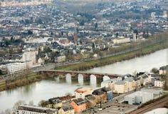 Río de Mosela, Romerbruke, Roman Bridge en el Trier, Treves, Alemania Imagen de archivo