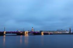 Río de Neva, puente del palacio, St Petersburg, Russi Fotografía de archivo libre de regalías