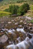 Río de Noguera Pallaresa. Aran Valley, España Imagen de archivo libre de regalías