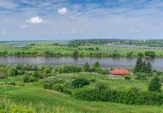 Río de Oka cerca de la ciudad de Spassk-Ryazansky Imágenes de archivo libres de regalías