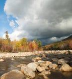 Río de Pemigewasset, ruta 112, muesca del oso, carretera de Kancamagus Fotografía de archivo