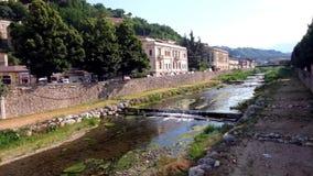 Río de relajación de la ciudad almacen de metraje de vídeo