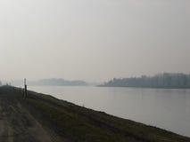Río de Rhin durante invierno Imágenes de archivo libres de regalías