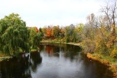 Río de Rideau en caída imagenes de archivo