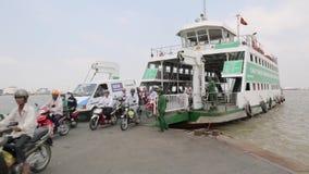 Río de Saigon de la travesía almacen de metraje de vídeo