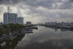 Río de Saigon en Vietnam Foto de archivo