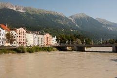 Río de Salzburg, Austria, cerca del puente de la cerradura del amor Fotos de archivo libres de regalías