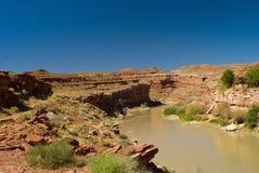 Río de San Juan cerca del valle del monumento, Utah Foto de archivo