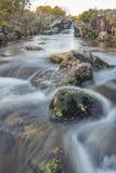 Río de serpenteo Imagenes de archivo