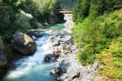Río de Sesia en Scopello, Bercelli, Italia Foto de archivo libre de regalías