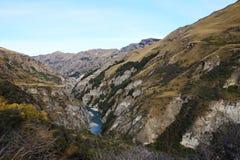 Río de Shotover en los capitanes Canyon Road, Queenstown, Nueva Zelanda Fotografía de archivo