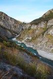 Río de Shotover en los capitanes Canyon Road, Queenstown, Nueva Zelanda Foto de archivo