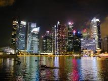 Río de Singapur en la noche foto de archivo libre de regalías