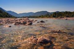 Río de Soca en Eslovenia, Europa Fotografía de archivo