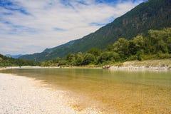Río de Soca en Eslovenia, Europa Fotos de archivo