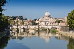 Río de Tíber en Roma, Italia Imagen de archivo libre de regalías