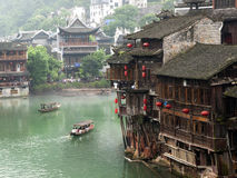 Río de Tuojiang en Fenghuang, China Fotos de archivo