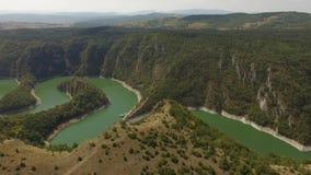 Río de Uvac, Serbia almacen de video