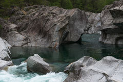 Río de Verzasca, Ticino, Switzerland Fotografía de archivo libre de regalías