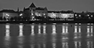 Río de Vltava en Praga fotos de archivo libres de regalías