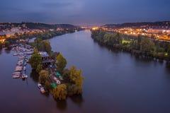 Río de Vltava Visión desde el castillo de la parte superior de Vysehrad Fotos de archivo libres de regalías