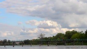 Río del cielo de la nube de la opinión del paisaje metrajes