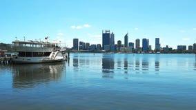 Río del cisne de Perth y vapor de paleta metrajes
