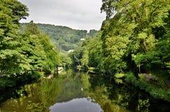 Río Derwent en el baño de Matlock foto de archivo