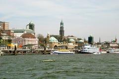 Río Elbe en Hamburgo fotos de archivo