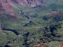 Río en el barranco de Waimea fotos de archivo