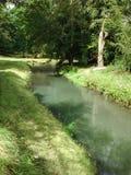 Río en el parque Foto de archivo libre de regalías