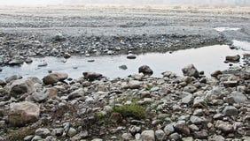 Río en la estación seca Fotos de archivo libres de regalías