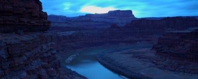 Río en la oscuridad Fotografía de archivo libre de regalías