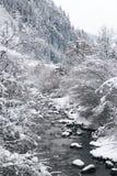 Río en las montañas Fotos de archivo