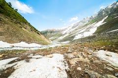 Río en montañas foto de archivo libre de regalías