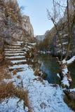 Río en paso de montaña Fotografía de archivo