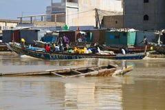 Río en Saint Louis, África de Senegal Foto de archivo