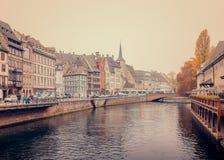 Río enfermo viejo de aduanas (douane de Ancienne) en Estrasburgo Imagenes de archivo