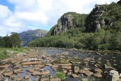 Río escénico en Noruega Foto de archivo libre de regalías