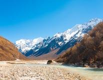 Río Himalayan H de la cordillera del valle de Langtang Fotos de archivo