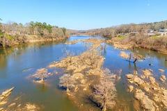 Río histórico de Coosa en la marca de agua baja Fotos de archivo libres de regalías