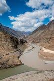 Río Indo en Ladakh Imagen de archivo