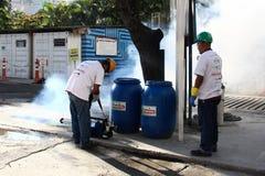 Río intensifica lucha contra el aegypti del aedes del mosquito de Zika Foto de archivo