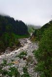 Río Lakshman Ganga en viaje a Ghangaria, Uttarakhand, la India Fotografía de archivo libre de regalías