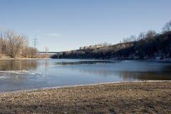 Río Misisipi en la fortaleza histórica Snelling, Minneapolis, manganeso fotos de archivo