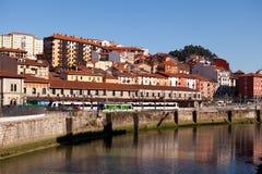 Río Nervion, Bilbao, España Fotos de archivo